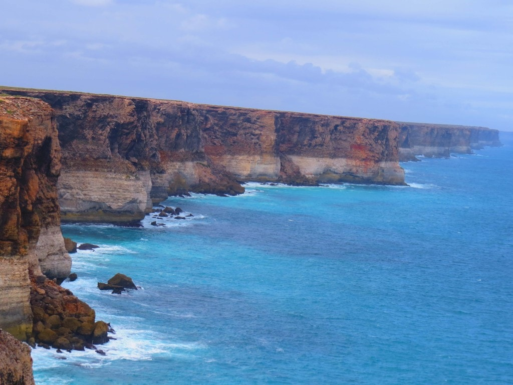 Australian edge of continent - Bunda Cliffs in Australia -Things to see on Perth to Melbourne road trip.
