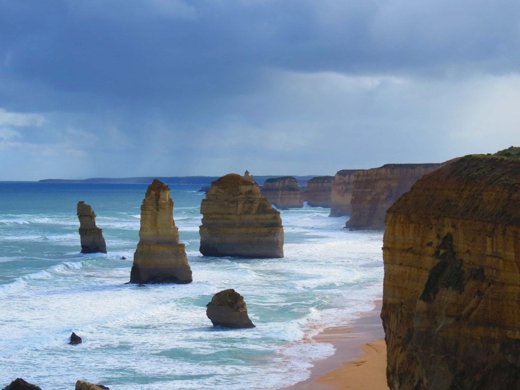 Road Trip Twelve Apostles - Things to see on Perth to Melbourne road trip.