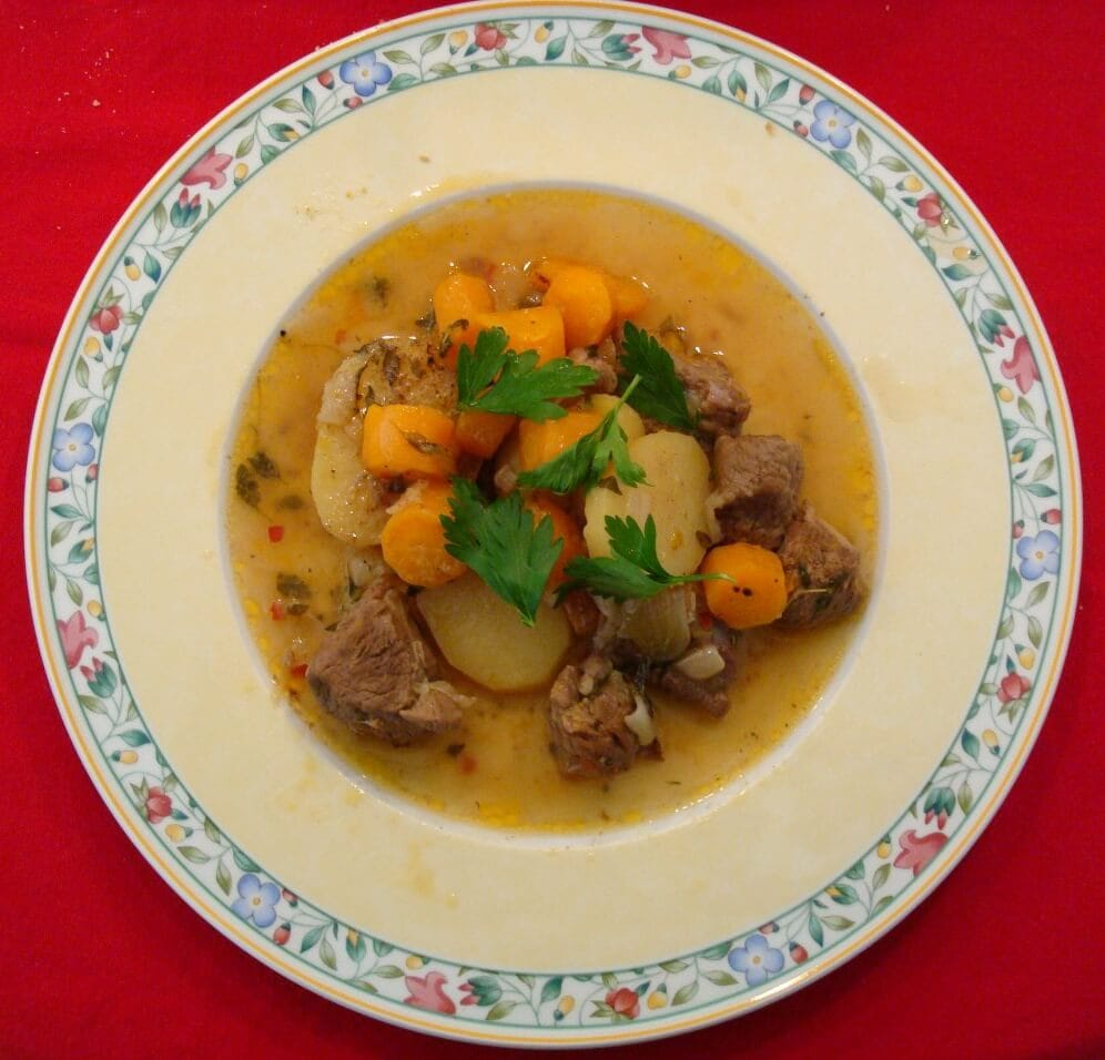Tasting traditional Irish dinner is a must when in Ireland - Visit Ireland