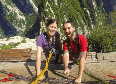 Couple travel blogges - NOMADasaurus