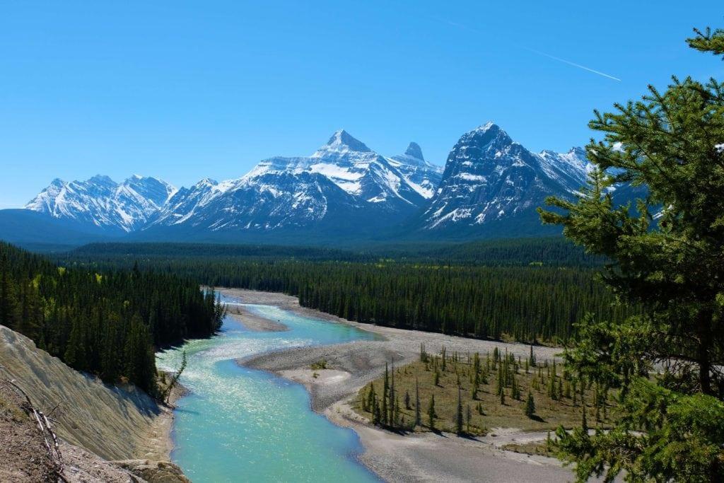 canadian rockies road trip driving from Banff to Jasper