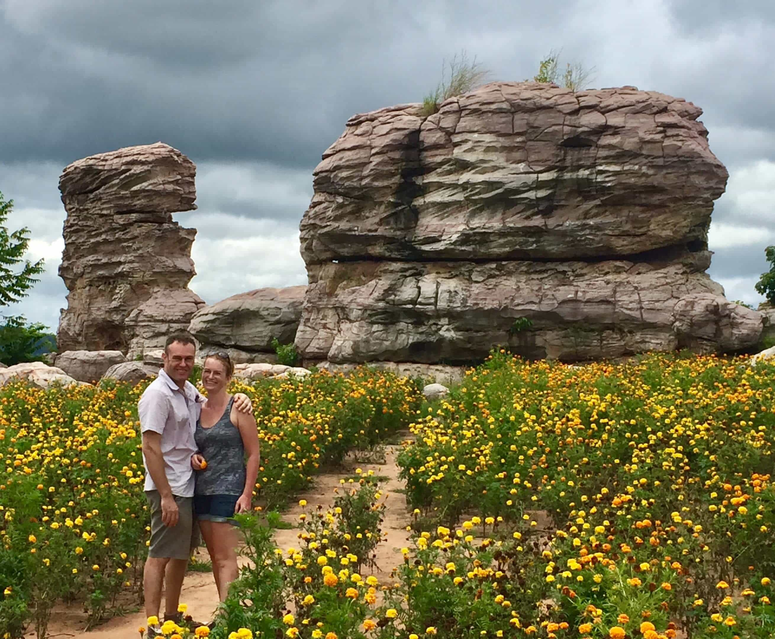 couple travel bloggers 2019