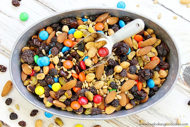 Delicious trail mix for the perfect travel snack (1)