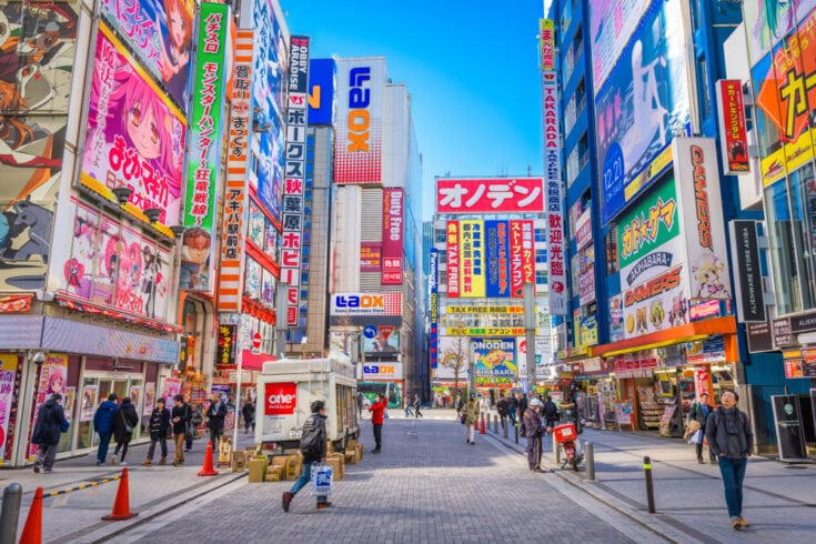 5 TOP TIPS TO SAVE YOU MONEY ON INTERNATIONAL TRAVEL